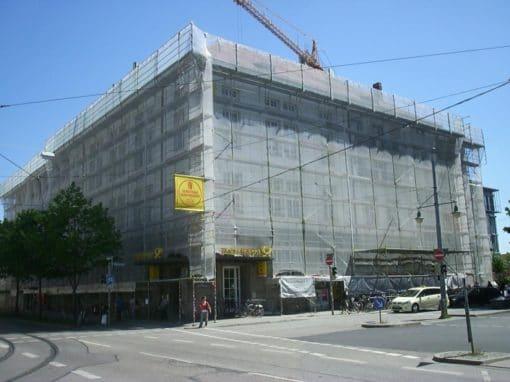 Orleansplatz, Postgebäude